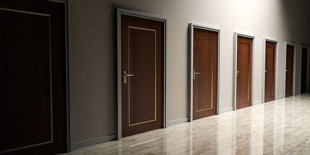 doors-1613314_640